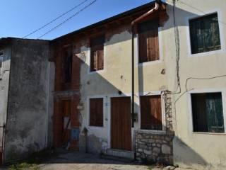 Foto - Rustico / Casale via Castelli 4 Martiri, Montecchio Maggiore