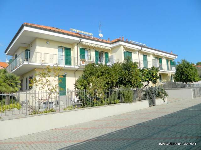 foto FACCIATA COMPLESSO 3-room flat via Ca' Rossa, Diano Marina