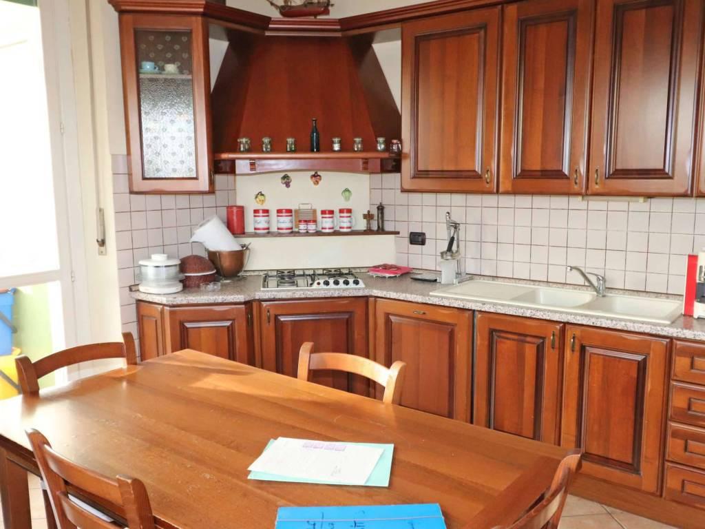 foto cucina Appartamento via Celdit 3, Cuneo