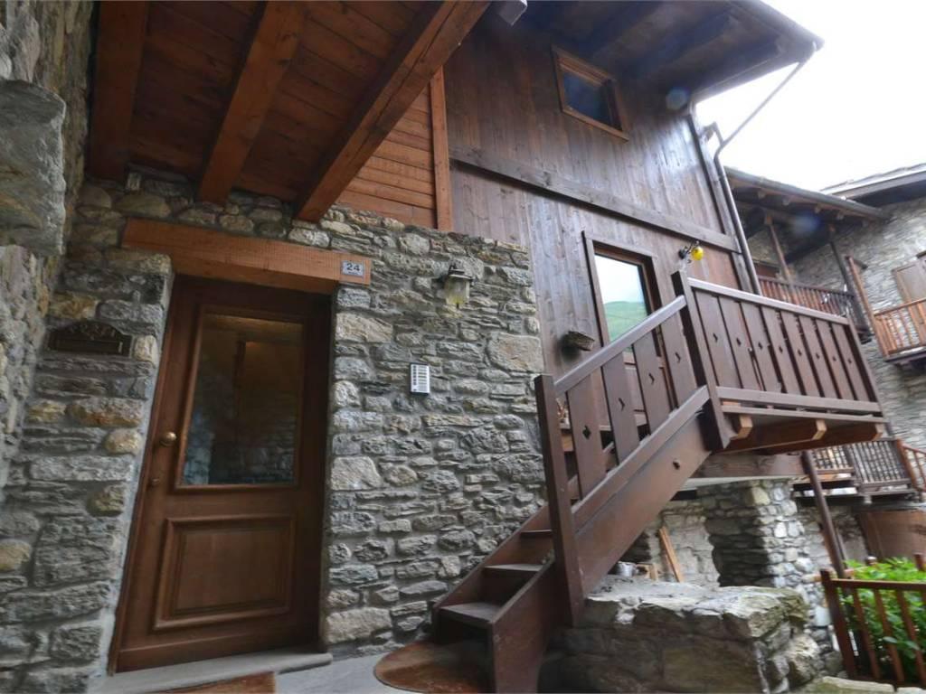 foto  Casa indipendente Località Massinod, Roisan