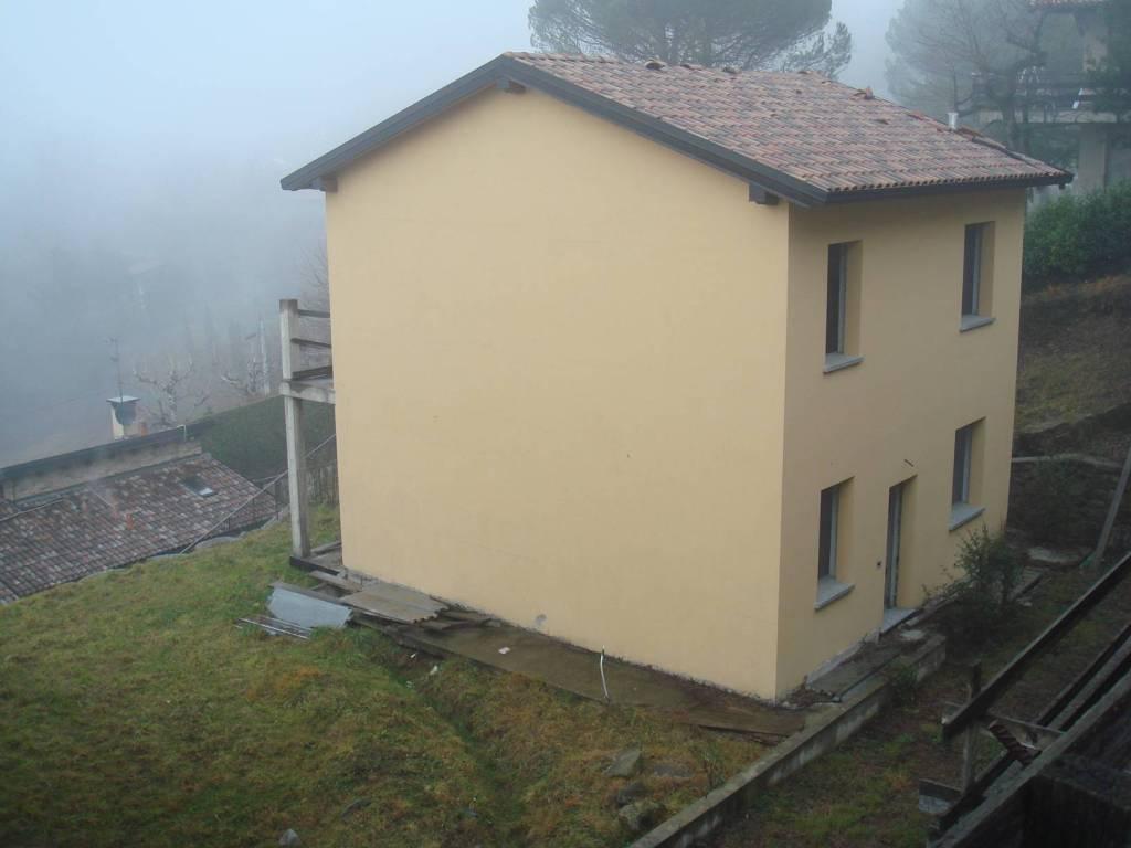 foto  Villa unifamiliare via San Nicola, Colle Brianza