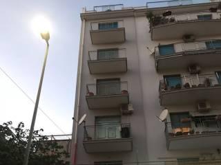 Case e appartamenti via cavaliere catania for Arredo in via cavaliere catania