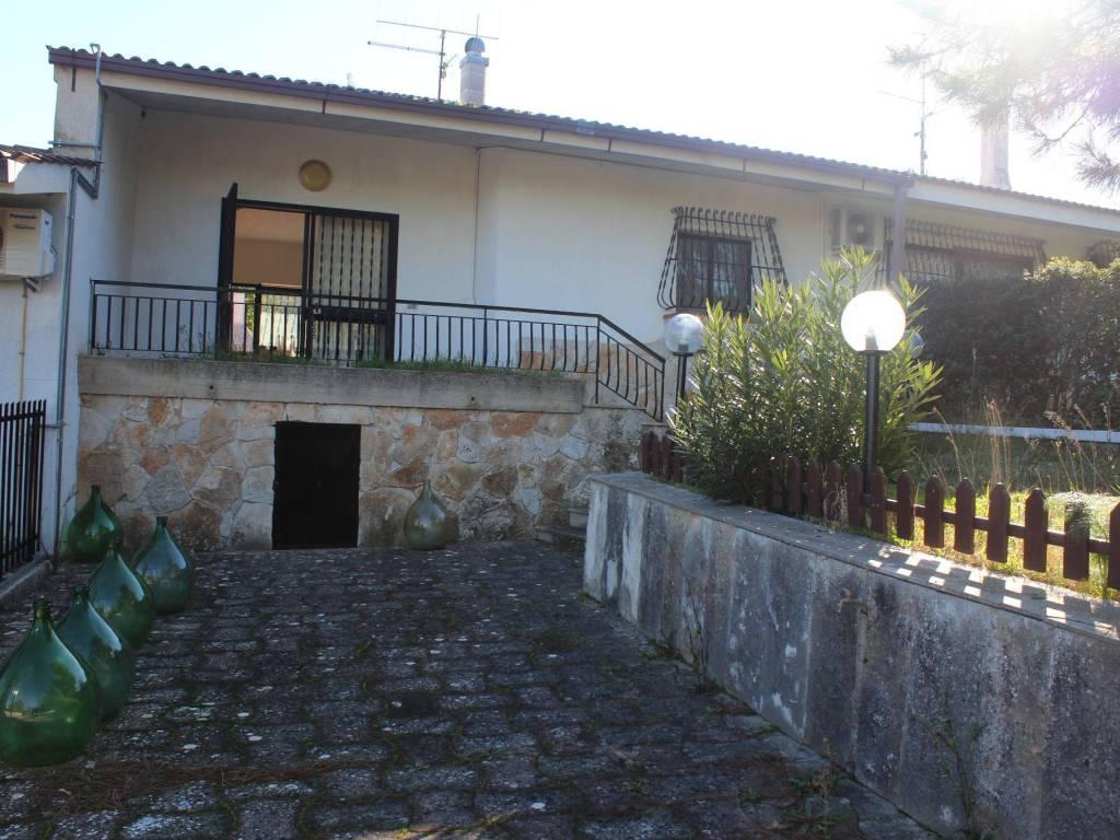 foto  Villa a schiera 3 locali, buono stato, Cassano delle Murge