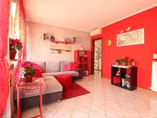 Foto - Trilocale via Olcella, 65, Villa Cortese
