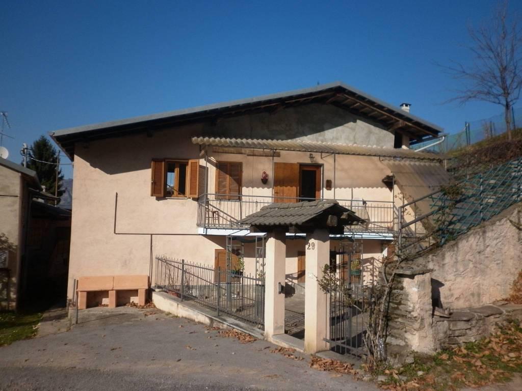foto Fronte Villa via Comba Nari, Gambasca