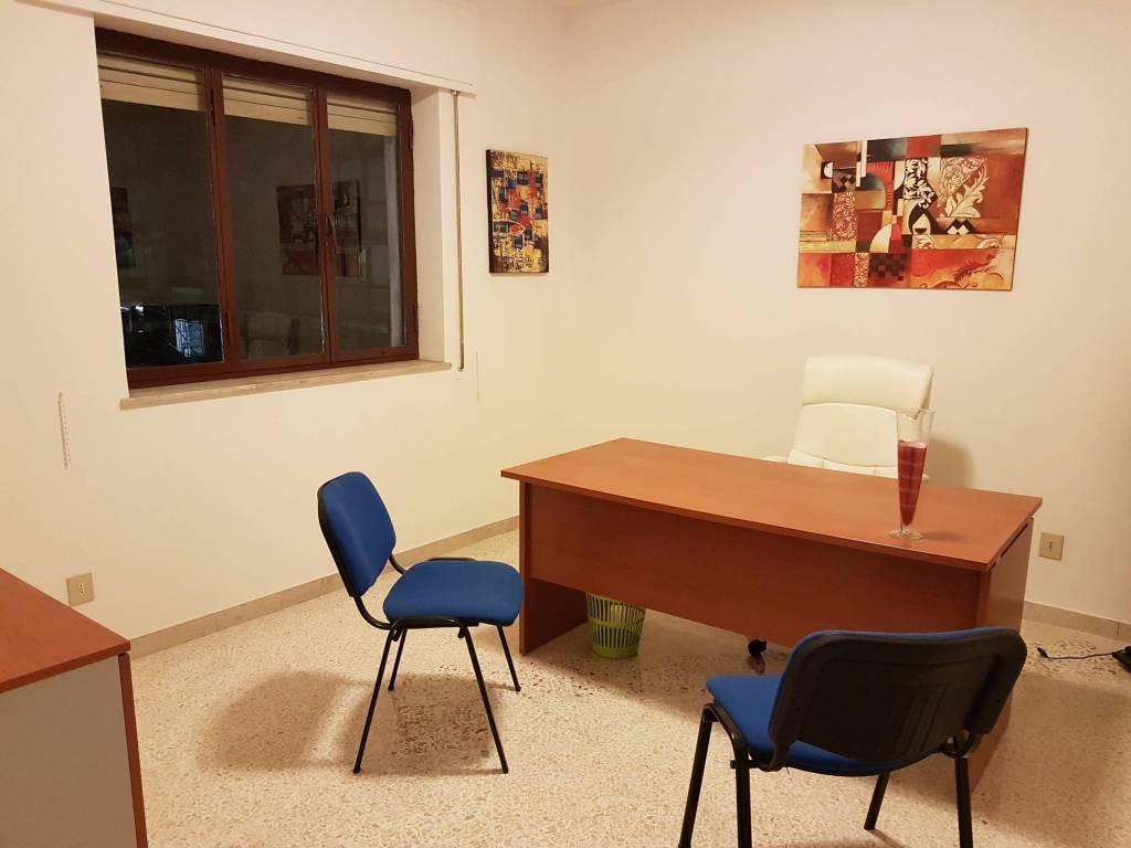 Scrivania Ufficio Palermo : Immobile in affitto a palermo rif. 65601003 immobiliare.it