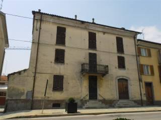 Foto - Palazzo / Stabile quattro piani, da ristrutturare, Nizza Monferrato