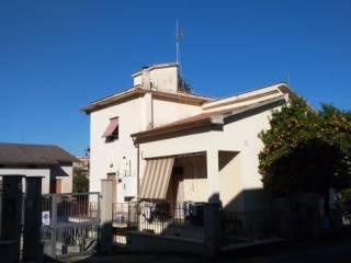 Foto - Trilocale via Giacomo Matteotti, Passo Corese, Fara in Sabina