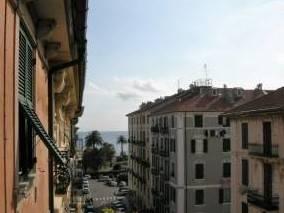 foto  Appartamento buono stato, quinto piano, Savona