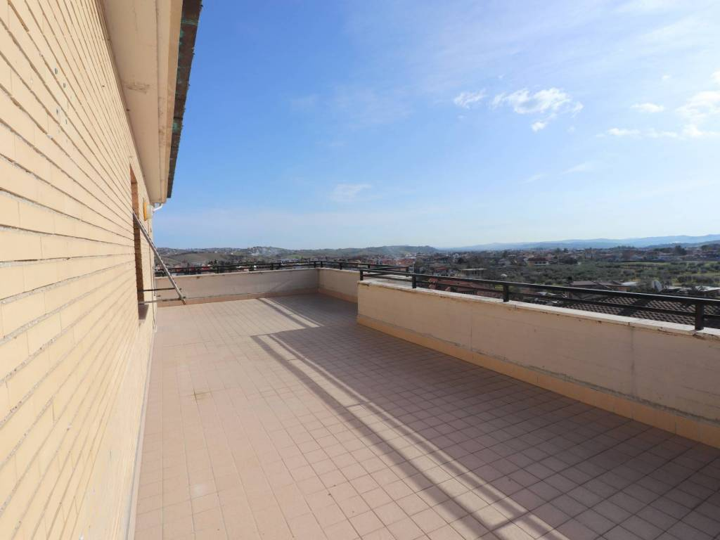 foto terrazzo Appartamento buono stato, quinto piano, Sant'Egidio alla Vibrata