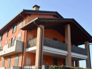 Foto - Trilocale buono stato, primo piano, San Michele, Bregnano