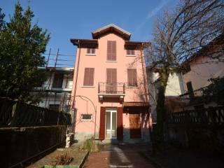 Foto - Casa indipendente via Giuseppe Mazzini, Porto Ceresio