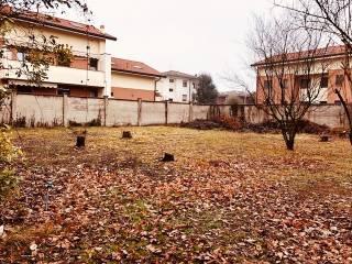 Foto - Terreno edificabile residenziale a Caronno Pertusella