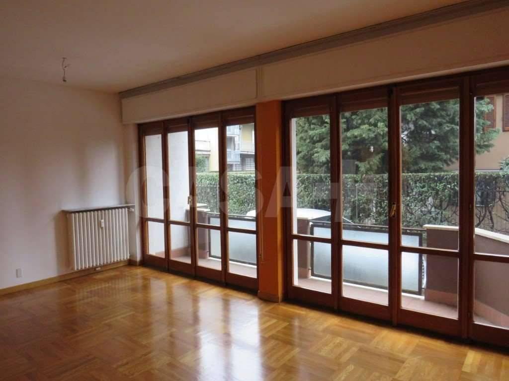 foto  Quadrilocale via Feltre, 18, Varese