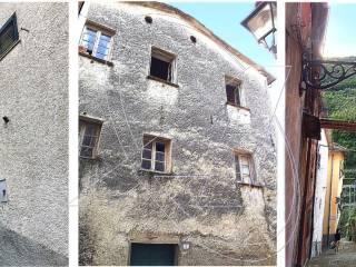 Foto - Rustico / Casale, da ristrutturare, 320 mq, Favale di Malvaro