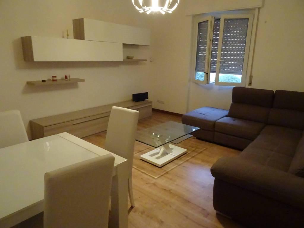 foto  3-room flat 90 sq.m., Turbigo