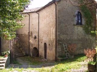 Foto - Palazzo / Stabile tre piani, da ristrutturare, Carsoli