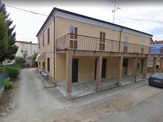 Foto - Palazzo / Stabile via Giulio Mezzogori 7, Longastrino, Argenta