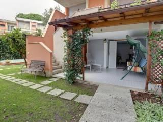Photo - Terraced house via Cesenatico, Fregene, Fiumicino