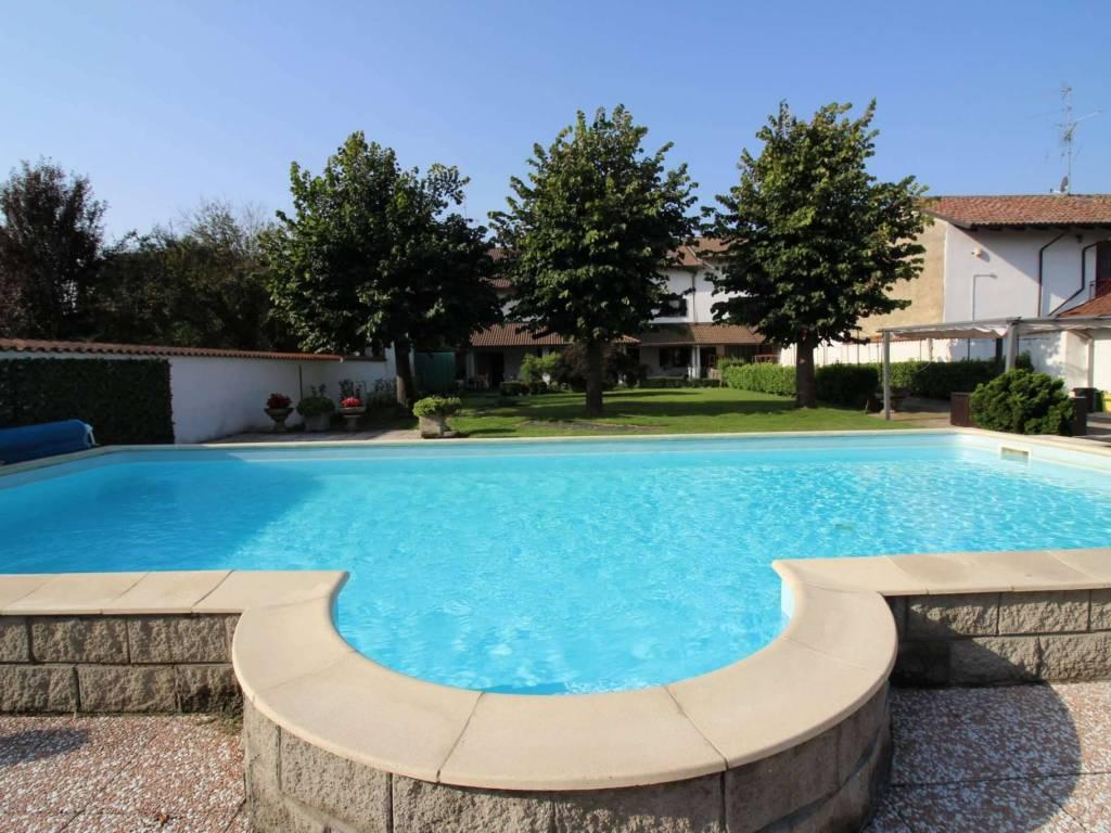 foto ESTERNO-PISCINA Single family villa vicolo Santa Caterina, Asigliano Vercellese