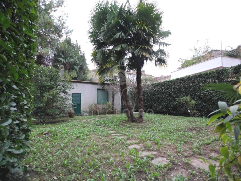 foto giardino Appartamento via Antonio Mordini 69, Lucca