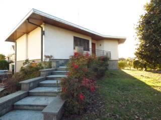 Foto - Villa viale dei Tigli 39, Pernate, Novara