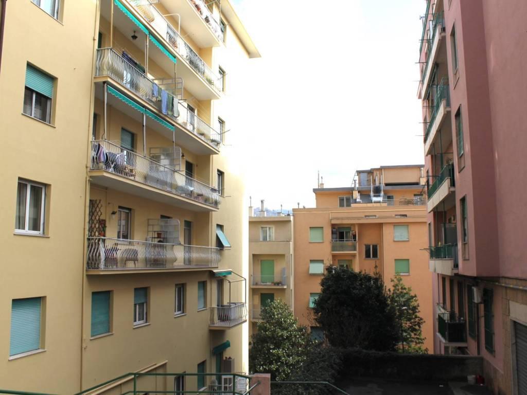 foto  Quadrilocale via Montello, Genova