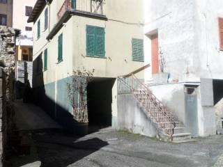 Foto - Casa indipendente via al Santuario 23, Montebruno
