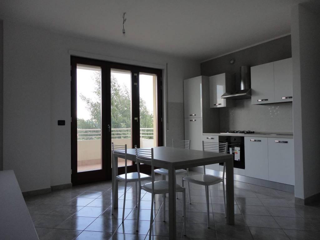 foto Soggiorno con cucina Bilocale via La Botte, Frosinone
