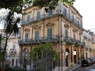 Foto - Palazzo / Stabile 580 mq, Centro città, Ragusa