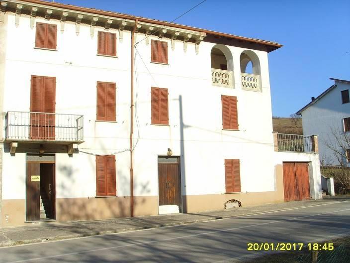 foto  Rustico / Casale frazione Molino Cassano 32, Val di Nizza