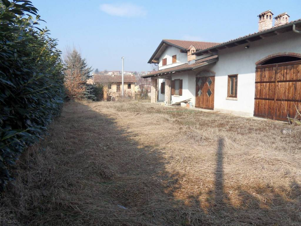 foto Esterno Villa frazione Valunga, Santo Stefano Roero