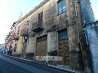 Foto - Palazzo / Stabile due piani, da ristrutturare, Viagrande