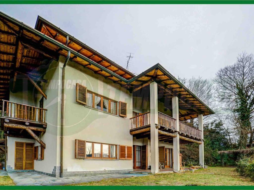 Vendita Villa in via Monte Nero Cunardo. Buono stato, posto auto ...
