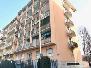 Foto - Trilocale via Augusto Vialardi di Verrone 9, Centro Città, Biella