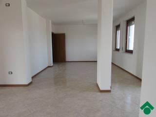Foto - Appartamento 135 mq, Roverbella