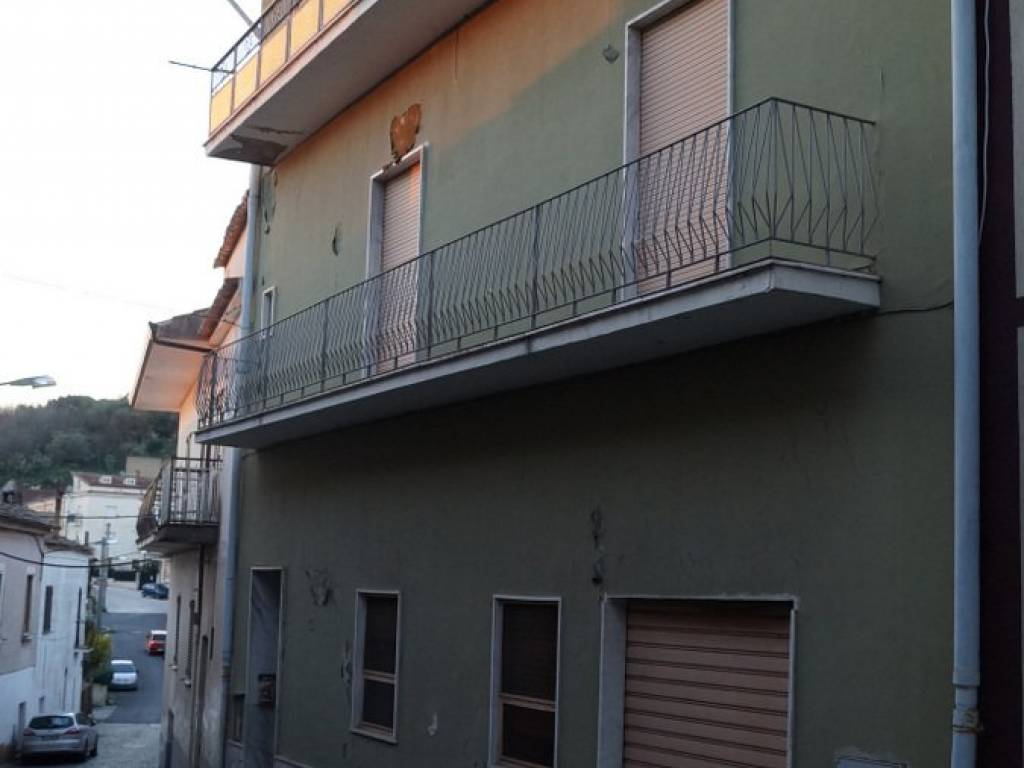 foto  Gebäude via Giuseppe Mazzini, Piana di Monte Verna