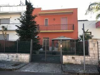 Foto - Palazzo / Stabile via Alcide De Gasperi, Castromediano, Cavallino