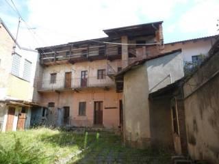 Foto - Palazzo / Stabile via Cesare Battisti 4, Lozzolo