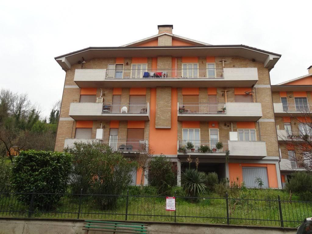 foto  Quadrilocale via Reggio Emilia 57, Orte