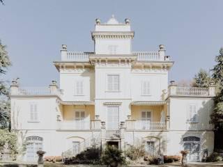 Foto - Palazzo / Stabile via Monte Grappa, Merate