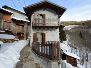 Foto - Casa indipendente frazione Loveno, Paisco Loveno