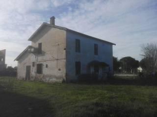 Foto - Rustico / Casale via Leonardo da Vinci 52B, Pontinia