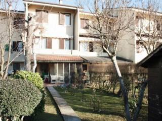 Foto - Villetta a schiera via Giacomo Matteotti, Rosate