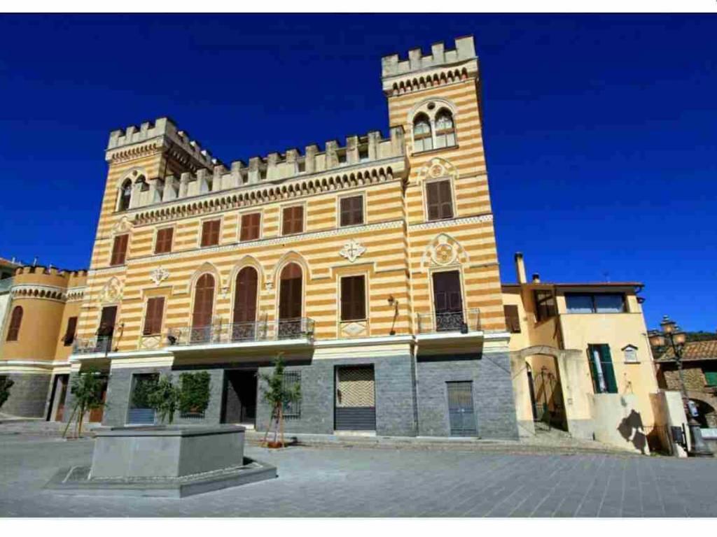 foto  Bilocale piazza Fratelli Ruffini, Castellaro