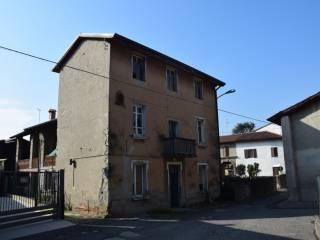 Photo - Building via Torre Vacis, Valbrembo