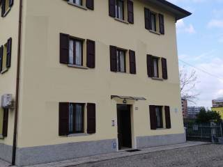 Foto - Palazzo / Stabile tre piani, buono stato, San Prospero - Tribunale, Reggio Emilia