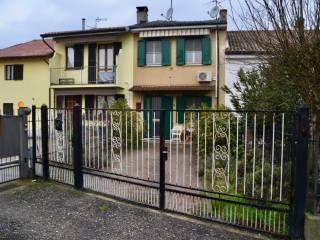 Foto - Villetta a schiera via Roma 10, Sommo