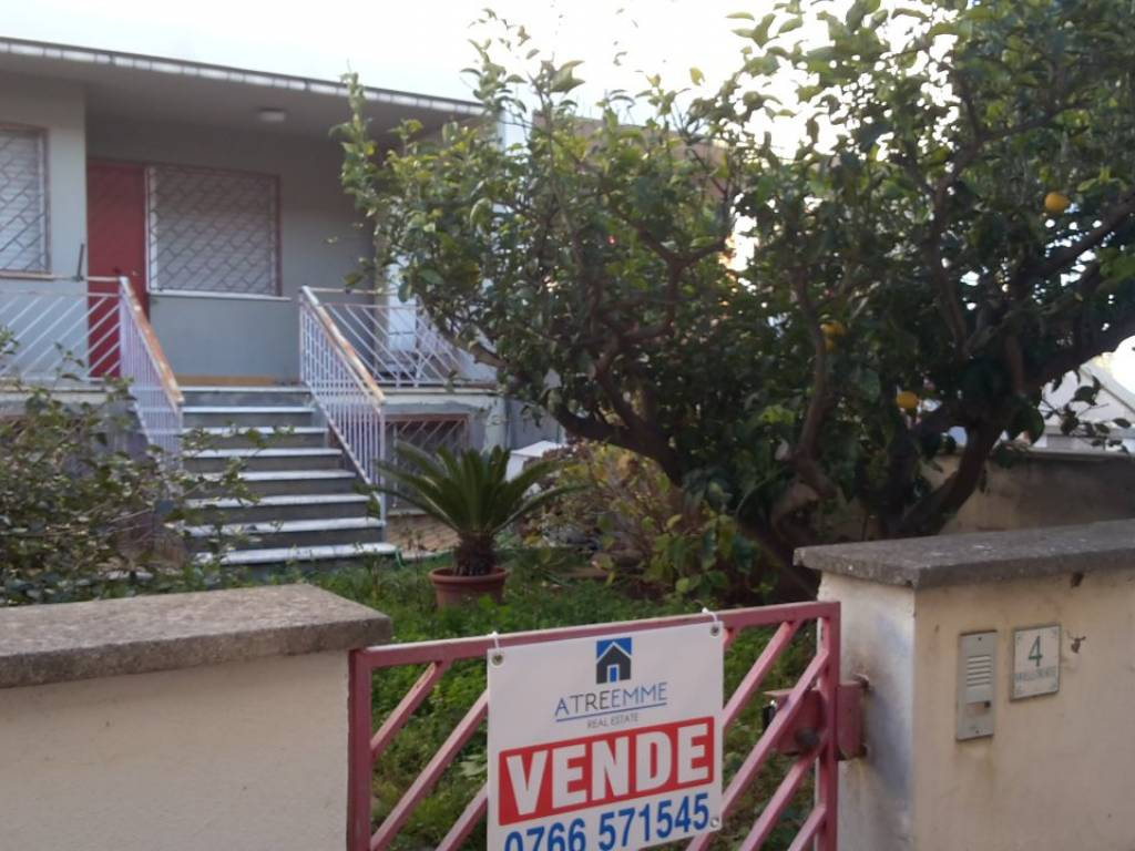 foto goardino Villa a schiera via delle Orchidee 6, Tolfa