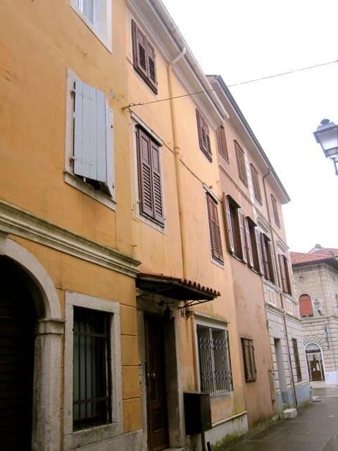 foto esterno Palazzo / Stabile Calle Maccari 14, Gradisca d'Isonzo